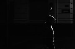 En La Dirección Correcta (natan_salinas) Tags: streetphotography fotografíaurbana fotografíacallejera bw blackwhite blanconegro bn blancoynegro blackandwhite monocromático monochrome nikon gente portrait retrato d5100 street calle urbe urban urbano 50mm cara face rostro streetportrait retratocallejero retratourbano people noiretblanc valparaíso valpo city ciudad luz light shadow sombras chile miradas look mirada man male hombre