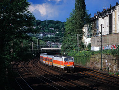 Wuppertaler S-Bahn-Gewitter (trainspotter64) Tags: eisenbahn zug train treno tren trein railroad railway spoorwegen vlak bahn db lokomotive lok elok nrw rheinland bergischesland wuppertal bahnhof sbahn vrr br143