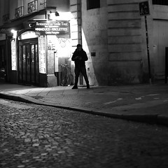 Legs wide apart (pascalcolin1) Tags: paris homme man nuit night lumière light ombre shade réverbère lamppost pavés pavement street photoderue streetview urbanarte noiretblanc blackandwhite photopascalcolin 50mm canon50mm canon