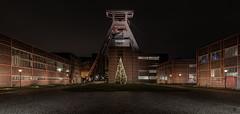Zeche Zollverein Essen (st.weber71) Tags: zechezollverein zeche essen weltkulturerbe nikon nrw ruhrgebiet ruhrpott langzeitbelichtung nachtfotografie förderturm schachtanlage weihnachten d850