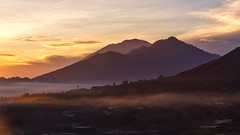 Here It Comes, A Beautiful Light (Anna Kwa) Tags: sunrise pingganvillage kintamani mountains volcanos seaofclouds bali lombok indonesia annakwa nikon d750 2401200mmf40 my light neveralone always seeing heart soul throughmylens life journey fate destiny travel world mountabang mountagung mountbatur