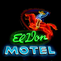 El Don Motel (Thomas Hawk) Tags: albuquerque america eldonmotel newmexico route66 usa unitedstates unitedstatesofamerica cowboy horse motel neon fav10 fav25 fav50 fav100