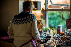 In the kitchen....... (Dafydd Penguin) Tags: woman jumper knitwear xmas christmas bristol kitchen colours bokeh leica m10 75mm 7artisans f125 noctilux