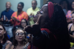 O cantar // The singing (renaofotografia) Tags: singer ubuntu africa pelotas brasil museu do doce ufpel universidade federal de