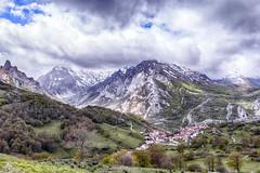 Picos de Europa-Sotres (Urugallu) Tags: picosdeeuropa sotres montaña nieve nubes cielo luz urugallu jose rodriguez canin flickr españa spain cabrales