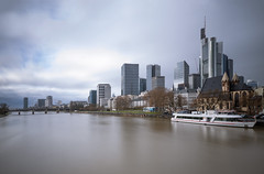 freeze the time (Rafael Zenon Wagner) Tags: frankfurt am main langzeitbelichtung longexposure germany river fluss skyline