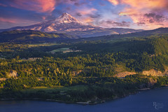 Hood River Valley Sunset (RobertCross1 (off and on)) Tags: a7rii alpha cascaderange cascades columbia columbiariver columbiarivergorge emount fe85mmf18 hoodriver ilce7rm2 nationalscenicarea or oregon pacificnorthwest sony underwood wa washington atardecer bluesky clouds forest fullframe glacier landscape mirrorless mountains orchards puestadelsol river snow sunset trees volcano water