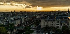 Souvenir août 2018 du haut d'une des tours de Notre de Dame de Paris (valecomte20) Tags: souvenir août 2018 du haut dune des tours de notre dame paris nikon d5500 sunset seine water