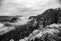 In den Schrammsteinen (matthias_oberlausitz) Tags: schrammsteine gratweg nebel elbsandsteingebirge elbe elbtal sachsen saxony sächsische schweiz winter