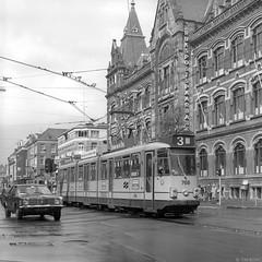Rijden maar (Tim Boric) Tags: amsterdam vanbaerlestraat rijkspostspaarbank tram tramway streetcar strassenbahn gvb lhb luchtwagen 768