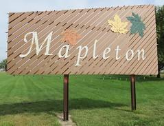 Mapleton Welcome Sign (Mapleton, Iowa) (courthouselover) Tags: iowa ia citywelcomesigns mononacounty mapleton loesshillsregion northamerica unitedstates us