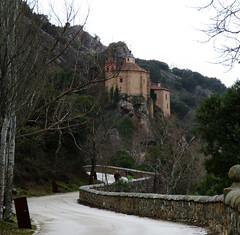 ermita san saturio (MaRuXa fotografía) Tags: ermita soria castillayleón camino duero rio cueva rocas sanador san saturio pinturas visigodo lluvia maruxa canon piedras construccion