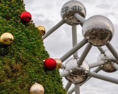 Atomium (caharelsylvain) Tags: bruxelles brussel atomium christmas noël