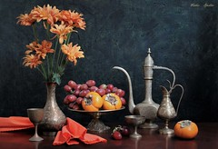 Saying Goodbye to 2019 (Esther Spektor - Thanks for 16+millions views..) Tags: stilllife naturemorte bodegon naturezamorta stilleben naturamorta art composition creativephotography autumn tabletop flowers food fruit persimmon grape cluster vase goblet decanter stand napkin metal linen pattern ambientlight orange green golden burgundy bronze brown canon estherspektor thegreatest coth5 fabuleuse