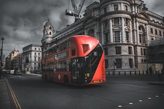 London street (marcelo.guerra.fotos) Tags: london street streetphoto urban urbanscene urbanview bus england europe europestyle nikon moody machineryhdr