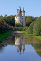 La tour des Marques - Chenonceau (hervétherry) Tags: france centrevaldeloire reflection castle canon eos tour reflet 7d chateau marques reflexion 18200 efs chenonceau chenonceaux indreetloire
