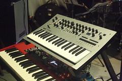 Electrophones 33: Synthesizer (of Elliot Galvin) (KM's Live Music shots) Tags: musicalinstrument hornbostelsachs electrophone keyboardsynthesizer synthesizer elliotgalvin marklockheart empirebar