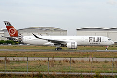 "Fiji Airways Airbus A350-941 F-WZFR (DQ-FAI) ""Island of Viti Levu"" TLS 23-10-19 (Axel J.) Tags: fijiairways airbus a350 fwzfr dqfai islandofvitilevu tls toulouse blagnac eads flugzeug luftfahrt fluggesellschaft flughafen flugplatz aircraft aeroplane aviation airline compagnieaérienne aerolínea luchtvaartmaatschappij airport airfield 飞机 avion vliegtuig 飛機 飛行機 비행기 авиация самолет תְעוּפָה hàngkhông luchtvaart luchthaven avião aeropuerto аэропорт port lotniczy aviación aviação aviones samolot jet linienflugzeug vorfeld apron taxiway rollweg runway startbahn landebahn outdoor planespotter planespotting spotter spotting fracht freight cargo"