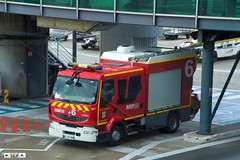 Renault Midlum 220 Marseille Airport France 2019 (seifracing) Tags: renault midlum 220 marseille airport france 2019 premiers secours ps bataillon de marins pompiers mrs seifracing spotting services french fire firebrigade security seif transport traffic trucks