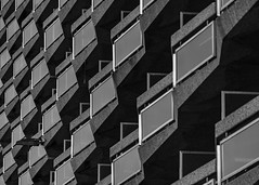 Appartment (Ringo_C) Tags: dynamischecompositie ringocoene concrete blackwhite apartment zwartwit balcony repetition repeat beton noirblanc herhaling nikond750