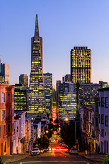 Streets Of San Francisco 3 (drasphotography) Tags: san francisco california usa transamerica pyramid building architecture blaue stunde drasphotography dusk lighttrails lichtspuren travelphotography reisefotografie nikon d810 nikkor2470mmf28 urban citylights cityscape