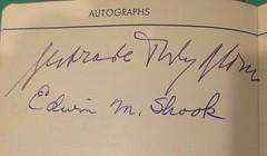Anglų lietuvių žodynas. Žodis autographic reiškia a savo ranka parašytas lietuviškai.