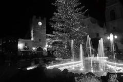 taormina b&w (Gio_MArt) Tags: taormina night nightlight blackwhite bw city cities sicily italy sicilia nikon d850 sigma