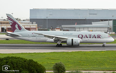 Qatar Airways (Guilherme_Martinez) Tags: aircraft airbus adorable airbuslovers sky sun summer sunset follow family followme lisboa love lisbon lovers like hobbie holidays hobby show beautiful best boeing boeinglovers planespotting passion private takeoff