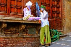 Clown di strada - Street clown (Eugenio GV Costa) Tags: siema toscana italia clown street ritratto acrobat acrobata portrait outside artists artisti strada