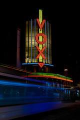 Le Cinéma Vox et le tramway (Roberto Bendini) Tags: france europe strasbourg strasburgo market marché natale noël christmas light lumieres luci città town ville alsace canon 2019 francia