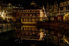 Petite France at night (Roberto Bendini) Tags: france europe strasbourg strasburgo market marché natale noël christmas light lumieres luci città town ville alsace canon 2019