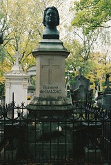PL1-006-1A (David Swift Photography) Tags: davidswiftphotography parisfrance perelachaisecemetery honoredebalzacgrave sculpture monuments tombstone historiccemeteries 35mm film nikonfm2 kodakportra