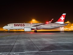 Swiss HB-JCI HAJ at Night (U. Heinze) Tags: aircraft airlines airways airplane planespotting plane night nightshot haj hannoverlangenhagenairporthaj germany flugzeug eddv olympus omd em1markii 12100mm