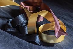 Cintas (Jesús Carmona) Tags: cintas lookingcloseonfriday ribbons macrofotografía