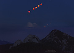5 Phases of total eclipse of the moon with mars (Bernhard_Thum) Tags: bernhardthum thum h6d100 hasselblad hc32150n nature eclipse moon mars setzberg