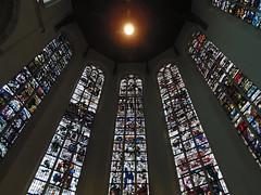 de Oude Kerk (Shahrazad26) Tags: joepnicolaas stainedglass glasinlood oudekerk delft zuidholland nederland holland thenetherlands paysbas kerk church iglesia kilise kirche église hippolytuskerk