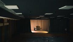 The Greatest Showman (michael_hamburg69) Tags: lostplace offthemap abandonedplace urbanexploration urbex phototourmit3daybeard3tagebart unterwegsmitchristian bühne stage vorhang klavier piano waitingforthepianoman