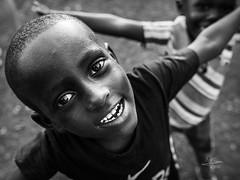 Happy (Saurí) Tags: africa street portrait portraits retratos callejeando