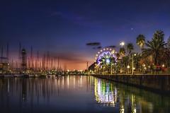 Parorama del Puerto de Barcelona y su noria de Navidades (Neverlan) Tags: neverlan puetobarcelona wheel noria rueda agua veleros longexposure largaexposición nocturna light luces reflejos mar torre barcelona catalunya catalonia ataluña