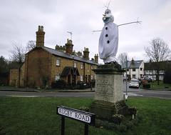 20191228-Olaf at Dunchurch (Damien Walmsley) Tags: olaf frozen dunchurch rugby statue dressingup lordjohndouglasmontague fun prank