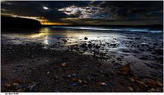 10h04 Promenade sur la Plage.......... (jmfaure29) Tags: jmfaure29 sigma sky seascape sea paysage plage nature nuages canon ciel clouds finistère bretagne beach mer matin