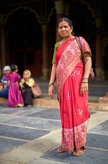 Woman with Red Sari (ckilger) Tags: leicam10 bangalore bengaluru ey indien tipusultanssummerpalace tipu palast frau inderin gewand rot bokeh