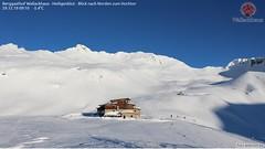 Was zeigt dieses Bild (bratispixl) Tags: snow nature sonnenfotografie weatherphotography mensch fotowebcameu schauen fotografieren zeigen teilen bratispixl canon printshot azzuro 100 alpen europa austria 300 400