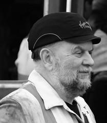 Railwayman.   (_MG_0414) (Robert G Henderson (Romari).) Tags: december 2019 boness bonesskinneilrailway m50 canon mirrorless