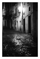 *Alfama. (niko**) Tags: konica hexarrf leica noctilux50mmf10 e60 kodak trix400 135 35mm filmphotography lisboa lisbon alfama fivedaysinlisbon