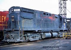 NW 1013, Oak Island, NJ.   11-22-1976 (jackdk) Tags: train railroad railway roster locomotive locomotiveroster alco mlw alcoc425 c425 century centurylocomotive nyle newyorkandlakeerie nw norfolkwestern oak oakislandnj fallenflag standardcab cr conrail nw1013 1013
