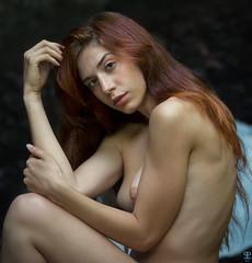 Antonella (kant53) Tags: modella ragazza ritratto portrait posa primopiano nudo esterno lucenaturale