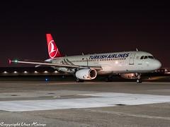 Turkish Airlines TC-JPT HAJ at Night (U. Heinze) Tags: aircraft airlines airways airplane airport haj hannoverlangenhagenairporthaj eddv planespotting plane flugzeug night nightshot germany deutschland olympus omd em1markii 12100mm