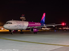 Wizz Air HA-LWO HAJ at Night (U. Heinze) Tags: aircraft airlines airways airplane airport haj hannoverlangenhagenairporthaj eddv planespotting plane flugzeug night nightshot germany deutschland olympus omd em1markii 12100mm