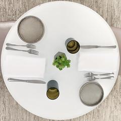 Table for 2 (Timothy Valentine) Tags: restaurant table 1219 large 465 mfa 2019 highkey squaredcircle boston massachusetts unitedstatesofamerica
